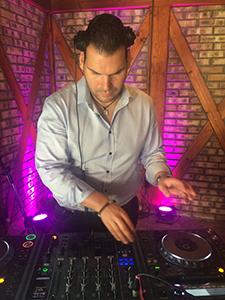 b6a6005258 Esküvői DJ Budapest - Vinch Enzo, rólam pár hasznos info: